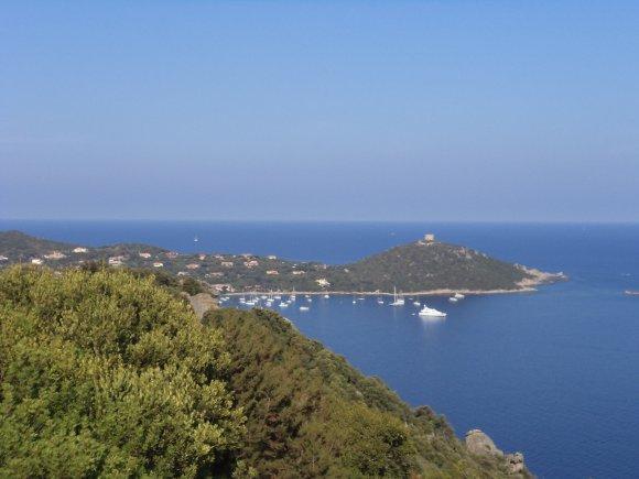 2012,le 16 Août. En côtoyant le bord de mer : destination Campomoro.