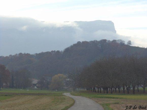 2012, 23 novembre. Au carrefour de trois montagnes, le lac de Saint Hélène.