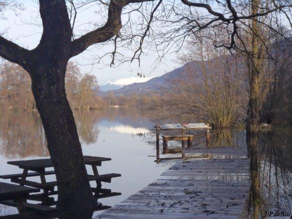 2012, le 23 décembre. Entre trois montagnes, le circuit des deux lacs.