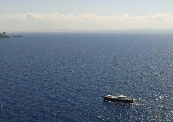 2014, le 14 septembre. Intermède... depuis les falaises de Bonifacio...