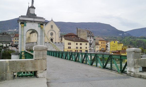 2018, le 15 avril. La cueillette de quatre cols dans le Sud du Jura.