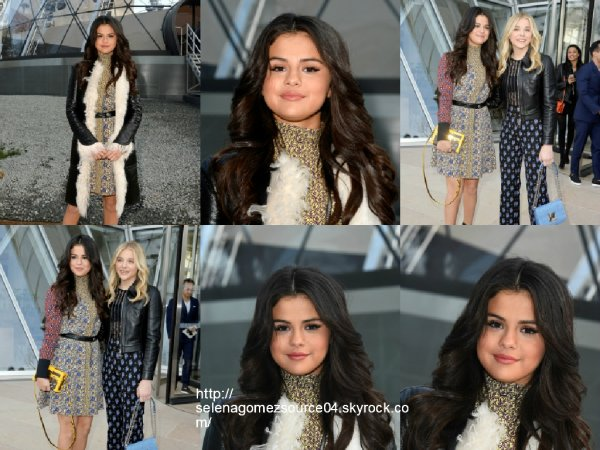 11 mars 2015 : Selena a été vue au Louis Vuitton fashion show à Paris