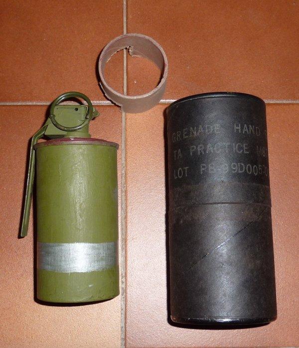 La grenade M 83 practice  US