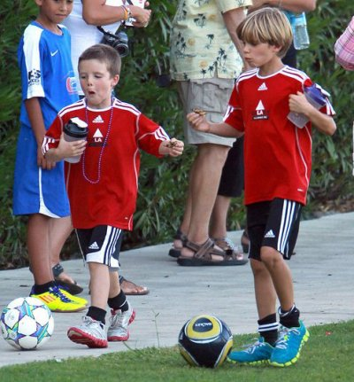 BROOKLYN ROMEO CRUZ BECKHAM