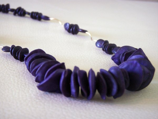 COLLIER OR ET GRAINES VIOLET