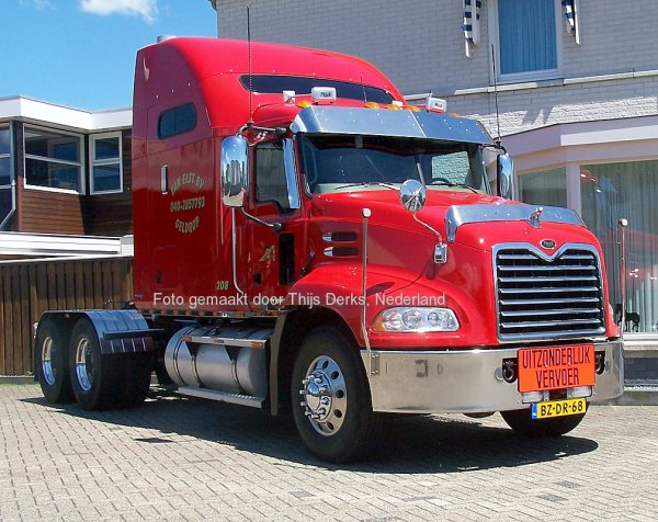 Mack CX Vision Van Elst, Geldrop, The Netherlands