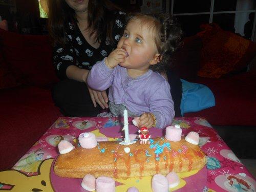 Mon Ange a féter ses 1 an (l) Joyeux anniversaire mon bb (l)