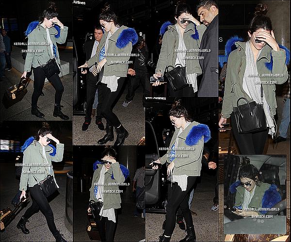 .                                                                                                                 15/12/2013 : Kendall a été vue arrivant à l'aéroport de LAX situé à Los Angeles dans la nuit de dimanche                                  .