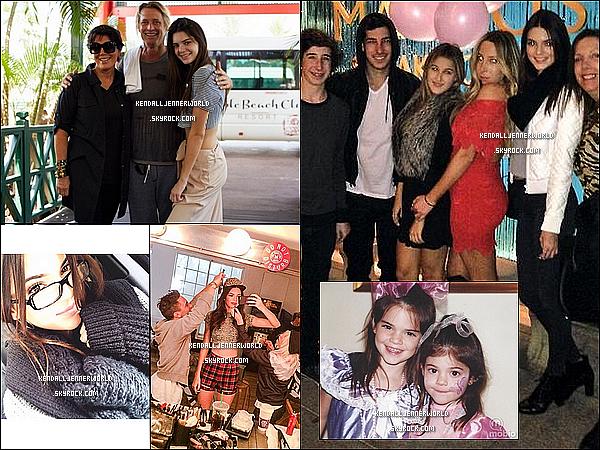 .                                                                                                                 20/12/2013 : Kendall a été vue quittant Neiman Marcus à Topanga Mall dans le Canoga Park dans l'après-midi.                                 .