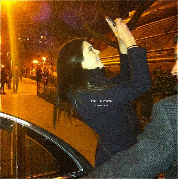 .                                                                                                                 Kendall dans les rues de Paris il y a quelques instants (1/03/2014)                             .
