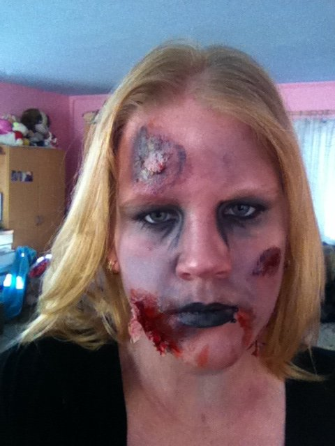 Didi en zombie ;) maquillage be me
