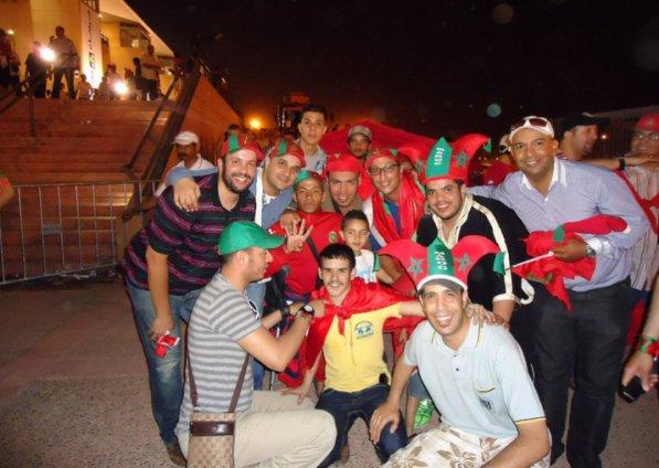 Abdellah daoudi & jma3a apres le match 4/0 vive maroc