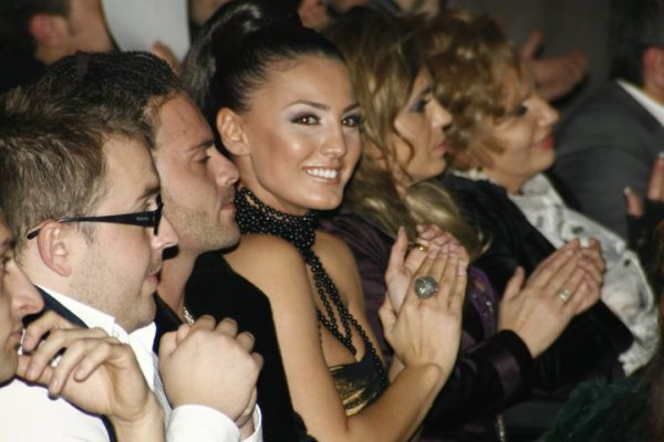 Genta Ismajli - BEST VIDEO & BEST POP FEMALE - Zhurma Show Awards 2010