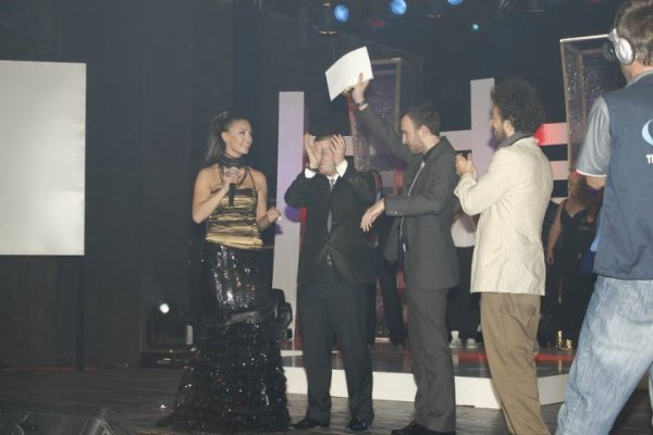 Genta Ismajli - BEST VIDEO & BEST POP FEMALE - Zhurma Show Awards 2010 |