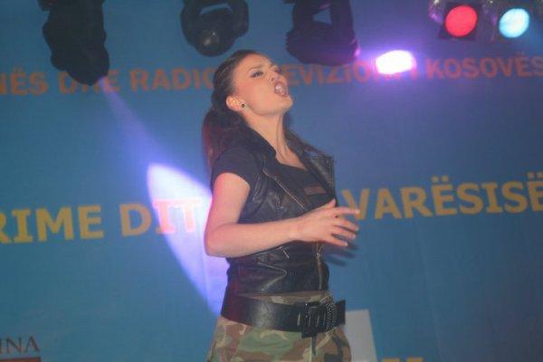 Genta Ismajli - Koncert mbajtur ne Prishtine per 3 vjetorin e Pavaresine e Kosoves