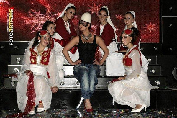 Genta Ismajli - Femrat Shqiptare jan nr.1 - 2011