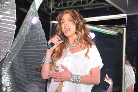 Genta Ismajli - Promovimi i albumit ''Guximi'' ne Rinora 4 - 12.06.11