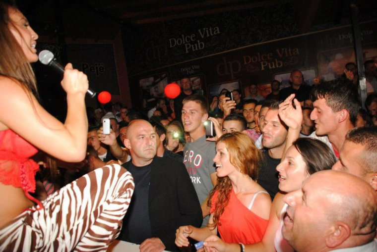 Genta Ismajli - Space Club Pejë - 21.06.12