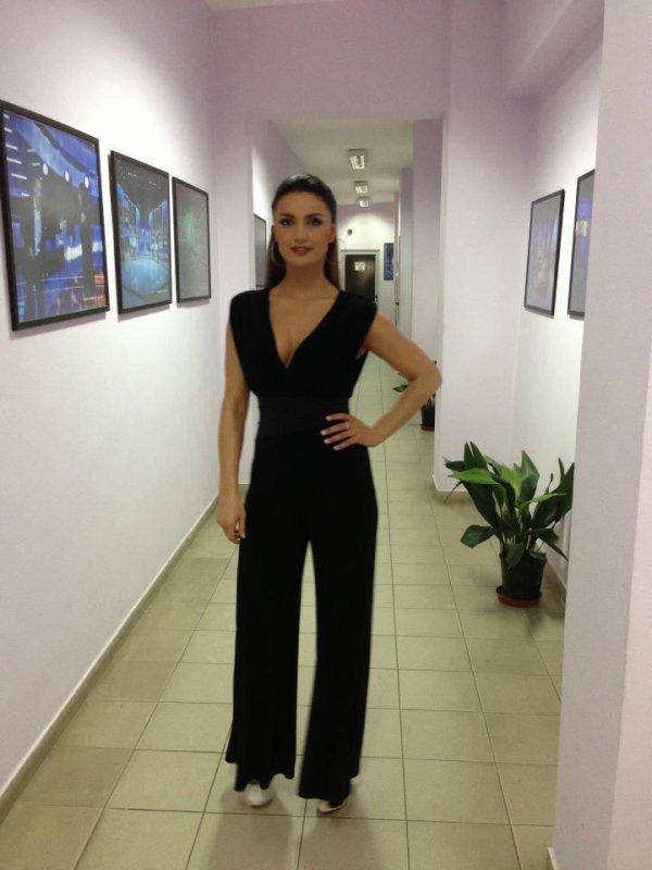 """Genta Ismajli & Shpat Kasapi """"E Diela Shqiptare"""" - Tv Klan"""