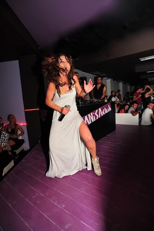 Genta Ismajli - 28.06.2013 - Anisa Club Velipojë