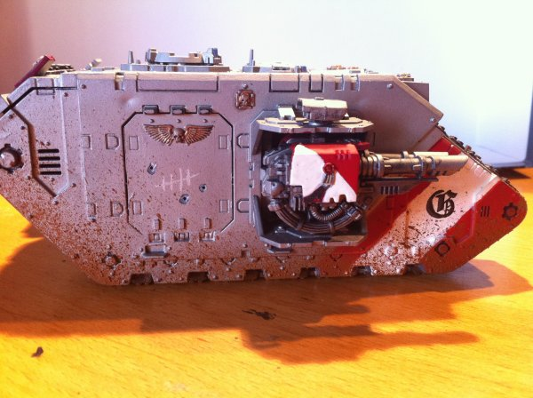 Land Raider Chevalier gris
