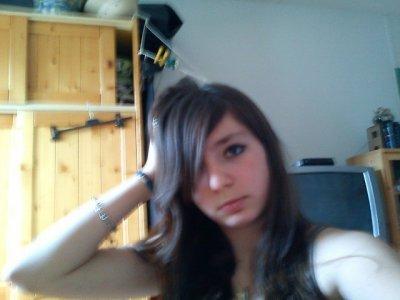 Shanon - ♀ - 14 Year Old - 27 février - Célibataire - Coin Pommé - Elles&Eux <3Parce que, l'amour n'a pas de sexe ♂ + ♀ = ♥ / ♀ + ♀ = ♥ / ♂ + ♂ = ♥. Je veux , je voudrais, j'aurai :)