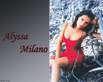 alyssa milano alias phoebe