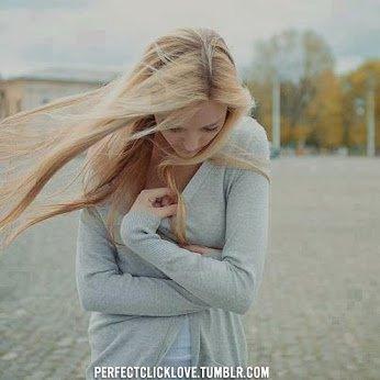 Avant toi tout allait pour le mieux, avec toi aussi d'ailleurs. Puis sans toi c'est devenu tout de suite plus compliqué. Tu es partie avec un morceau de moi, celui qui me faisait vivre. Celui pour lequel je me battais sans même le savoir... Maintenant tout empire, je pleure tout les soirs dans mon lit, ta présence me manques, ma vie sans toi est juste impossible!