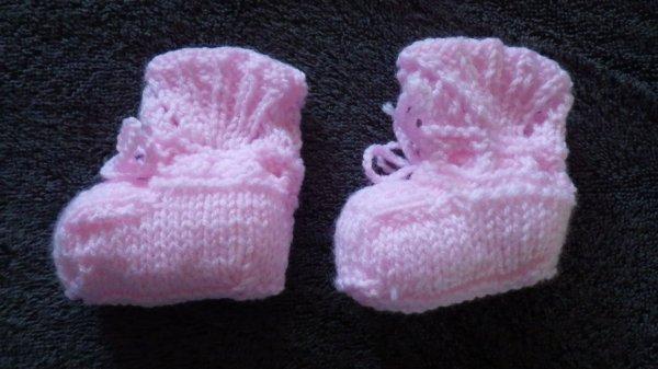 Chaussons au tricot et crochet