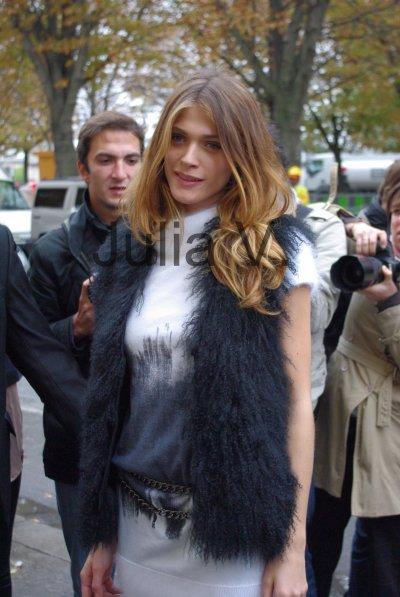 Elisa Sednaoui - Défilé Chanel - le 5 octobre 2010