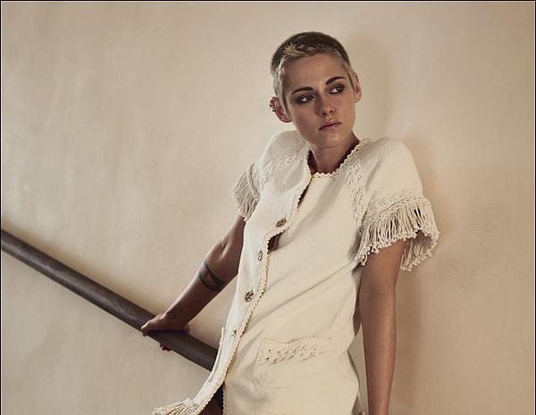 2017 : Photoshoot & Portraits de Kristen Stewart  pour la marque chanel Magazine ELLE  ! •  ...   !