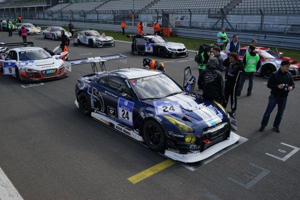 Schulze Motorsport's N° 24 GT-R