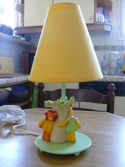lampe loustic la vie de elvin lou anne et valentin. Black Bedroom Furniture Sets. Home Design Ideas