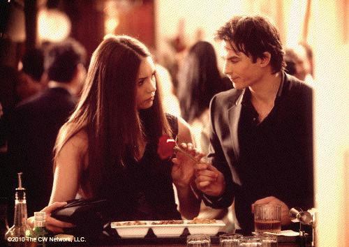 Selon la productrice déléguée de Vampire Diaries, la relation entre Elena et Damon va trouver un aboutissement.
