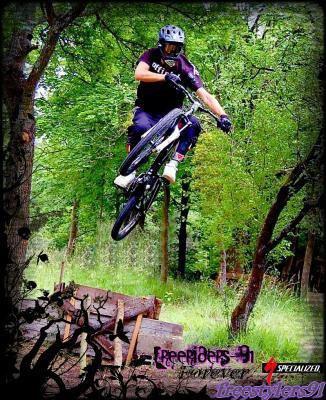 ici c'est un blog de vtt et de moto cross