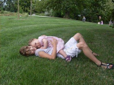 marie et sa petite soeur qu'elle adore