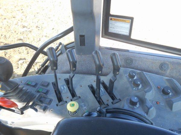 petit teste trouver moi la marque ai le modelle de se tracteur