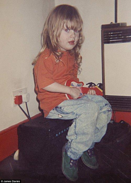 →  Photos d'Adele petite !