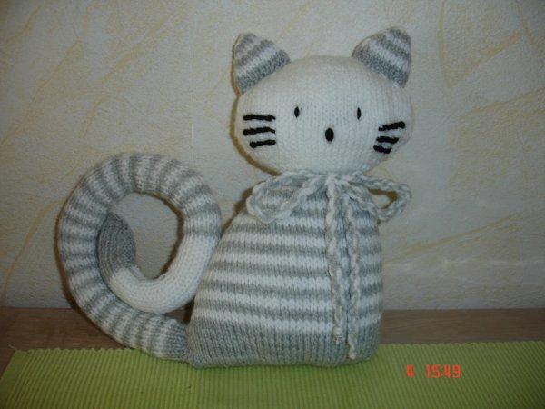 doudou chat-chat gris et blanc;