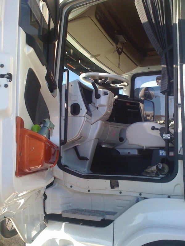 Scania topline interieur camions decores et tuning for Interieur camion scania