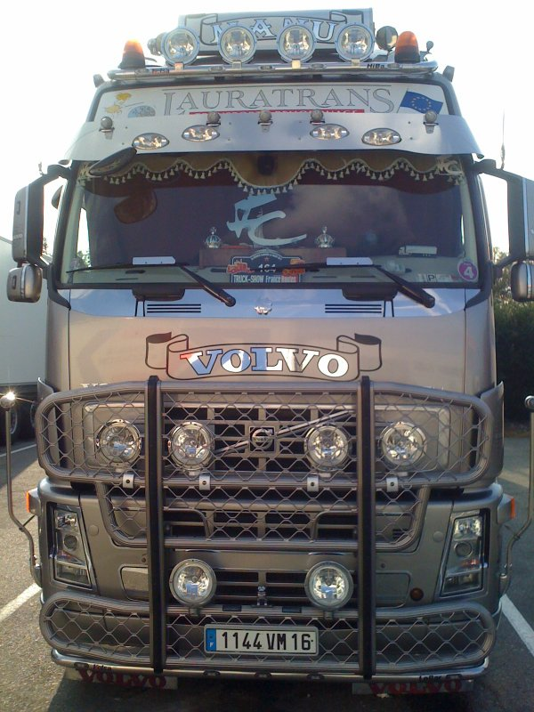VOLVO FH LAURATRANS