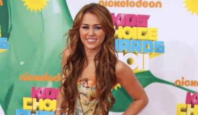 Miley Cyrus défend le mariage gay - 29/05/2011