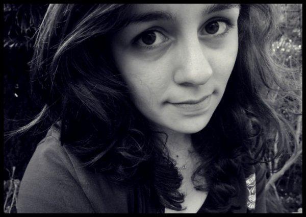 la vie est faite de hauts et de bas, j'me noie dans la vodka pour oublier les bas.. (8) ♥
