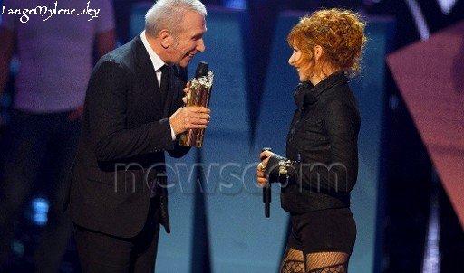 Nrj Music awards 2012, prestation + un prix de diamant pour Mylène ♥