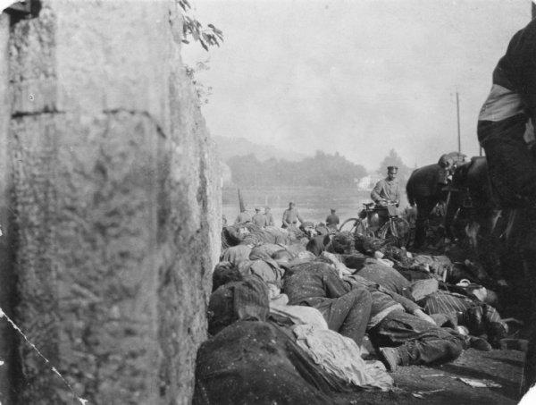 Le massacre de Dinant