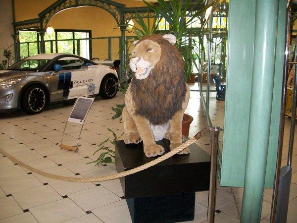 voici l'ambleme de peugeot le lion