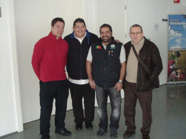 Os três mais 1 António Vila Cova...encontram semelhanças....