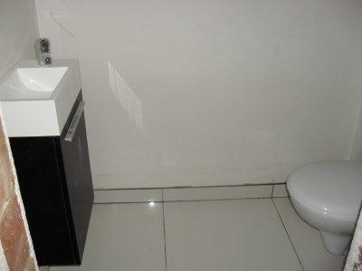 Les toilettes du bas