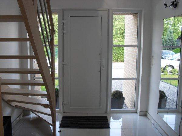 le hall d 39 entr e blog de maison team construct. Black Bedroom Furniture Sets. Home Design Ideas