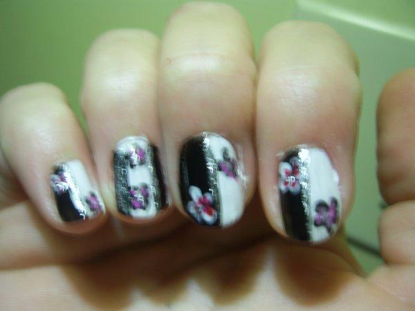 Ying Yang facon nail art